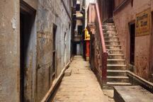 Neighbourhood streets (towards Thateri Bazaar)