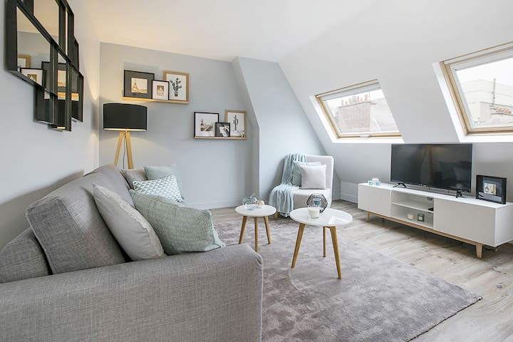 Beautiful Flat in Champs Elysées