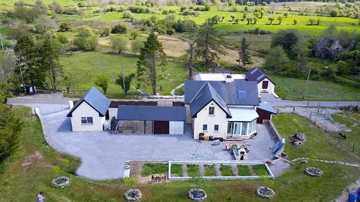 Bobby D's Eco Country House-Nestled within GeoPark