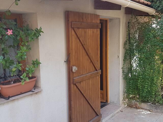 Le Studio au fond du jardin