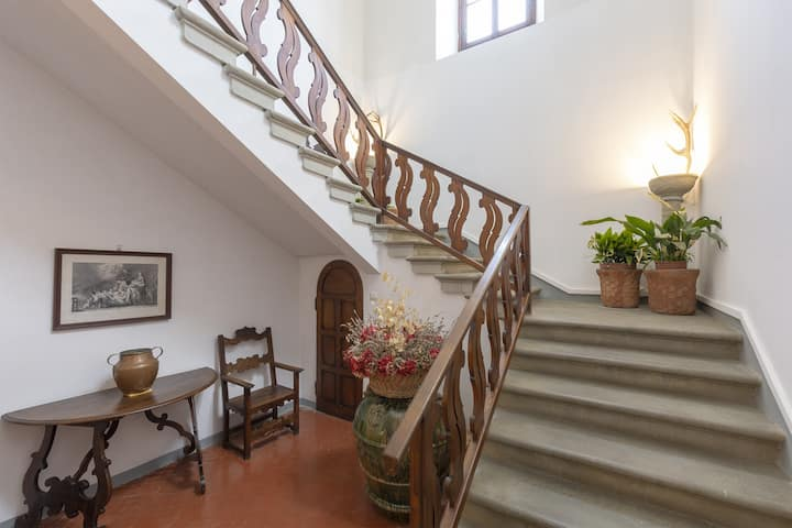 luxury apartment in ancestral villa near Florence