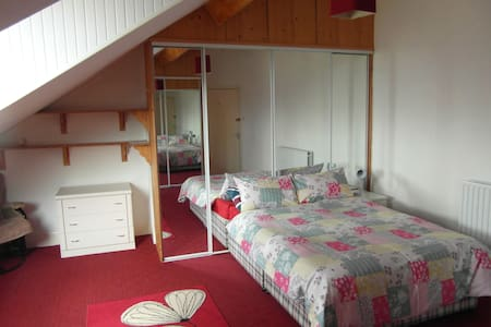 Comfortable Bedrooms to let in quiet, shared house - Redcar