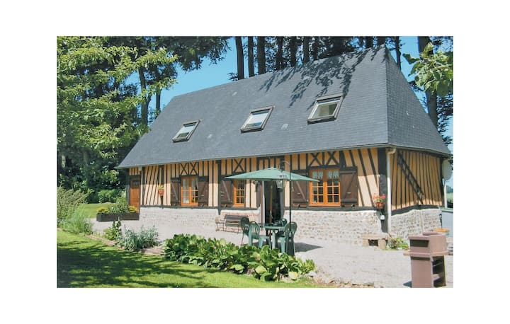 Holiday cottage with 3 bedrooms on 110m² in Hattenville
