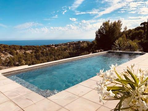 La Cabane / terrasse-piscine-vue mer-stationnement