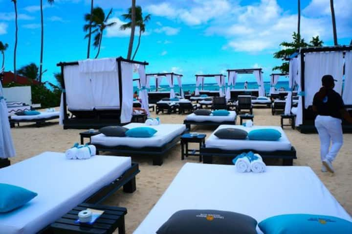 Cancun Mexico All Inclusive Luxury Resort. 2Guest