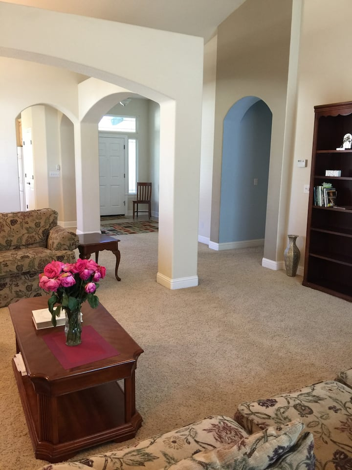Peaceful bedroom in Redding California
