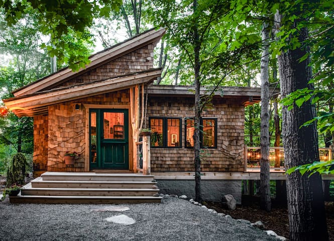 Dreamy Secluded Luxury in Traverse City- The Snug