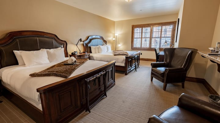 Elegant Suite Loaded with Amenities