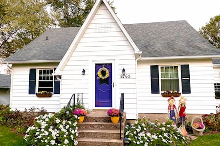 Comfy White Cottage. Fall get away! See specials
