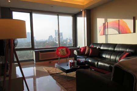 Best of BGC Citylife 62sqm for 4 persons + Parking - Taguig - Osakehuoneisto