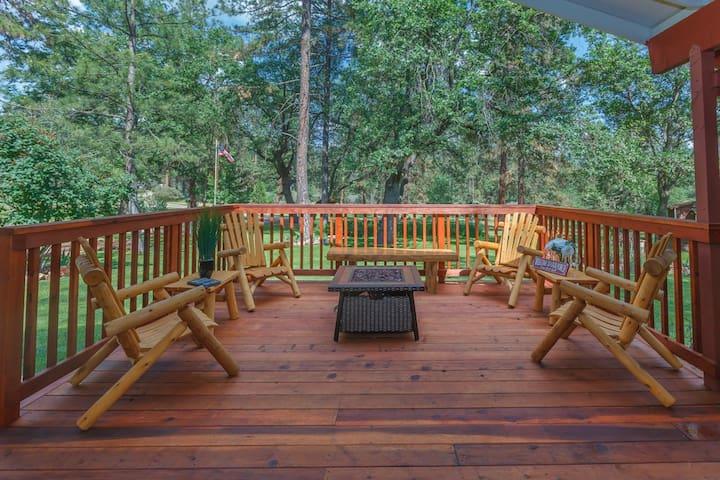 Yosemite Pines Retreat, Spa, Ponies! Pool! & More