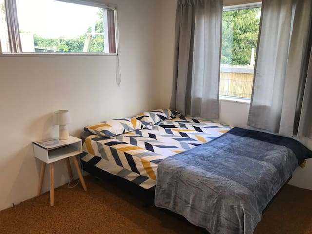 One bedroom available close to Porirua Town Centre