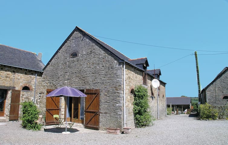 Holiday cottage with 3 bedrooms on 69m² in Thourie