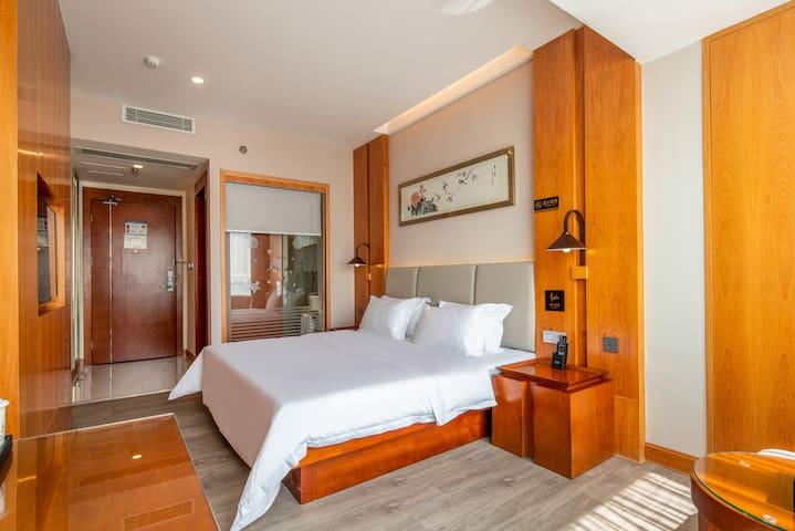 蔚徕J酒店(深圳北站龙华壹城中心店) 豪华大床房