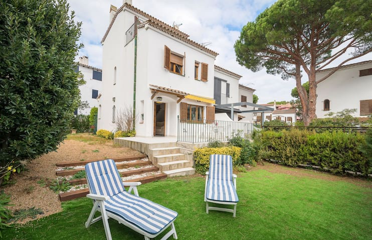 PLATÓ 6 - attached house with private garden-Llafranc-Costa Brava