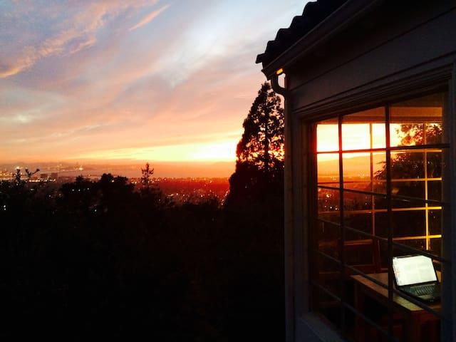 Berkeley Hills Treetop Gem - 伯克利 - 小木屋