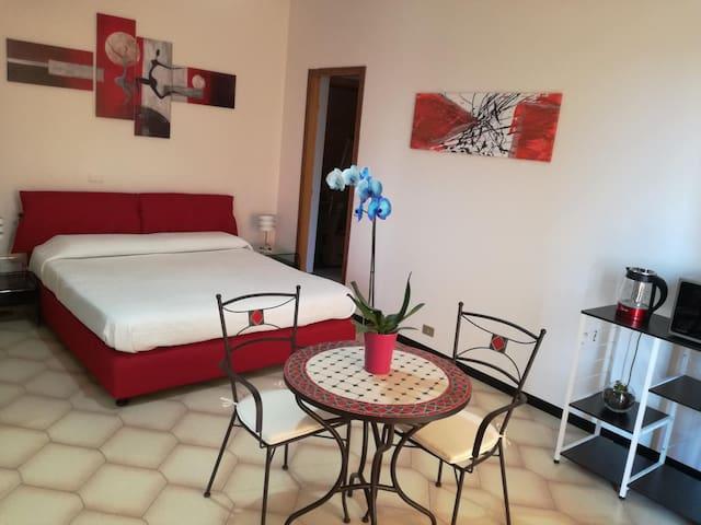Cozy House with Kitchen in Giardini-Naxos
