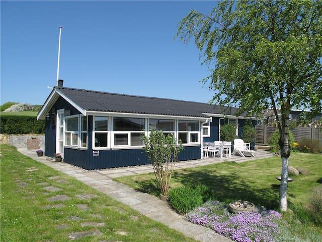 Sommerhus med havudsigt i Vesterhave - Karrebæksminde - Srub