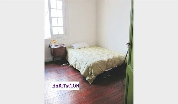 HERMOSA HABITACION VILLA CRESPO BEAUTIFUL ROOM
