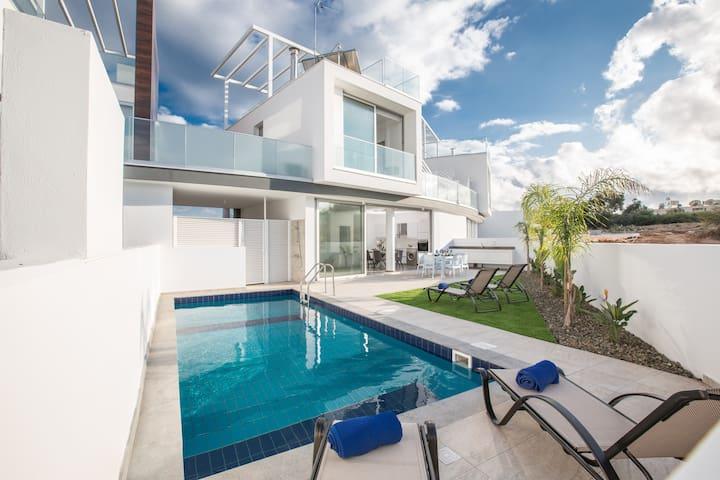 Villa Nataly,Brand New,Luxury, 2BDR Protaras Villa
