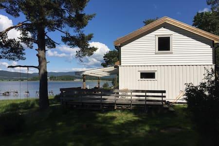 Idyllisk sommerhytte ved sjøen - Sande - Cabin