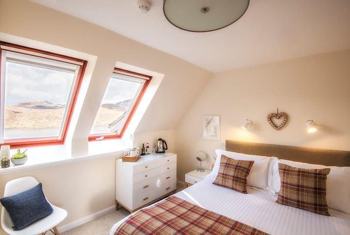 Stylish Rooms Near Kylesku With Wonderful Views