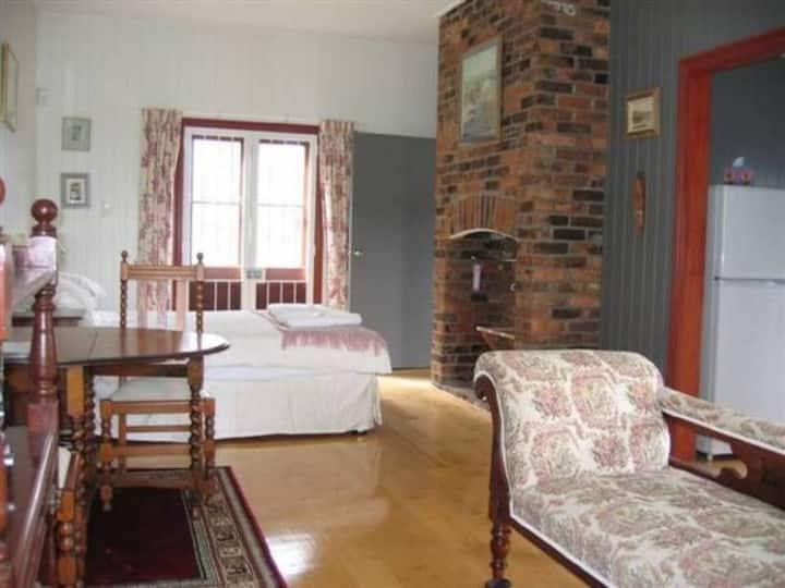 Rose Cottage (Bed & Breakfast)