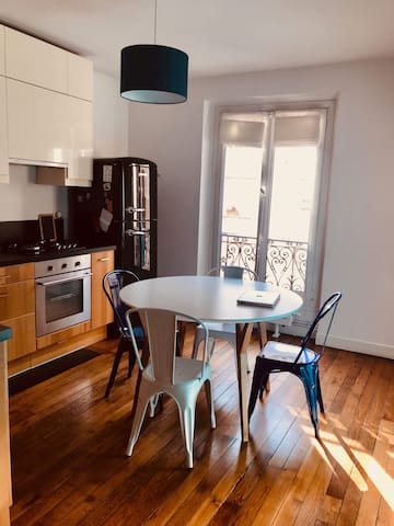 Lovely Flat in Paris (Montmartre/Quais de Seine)