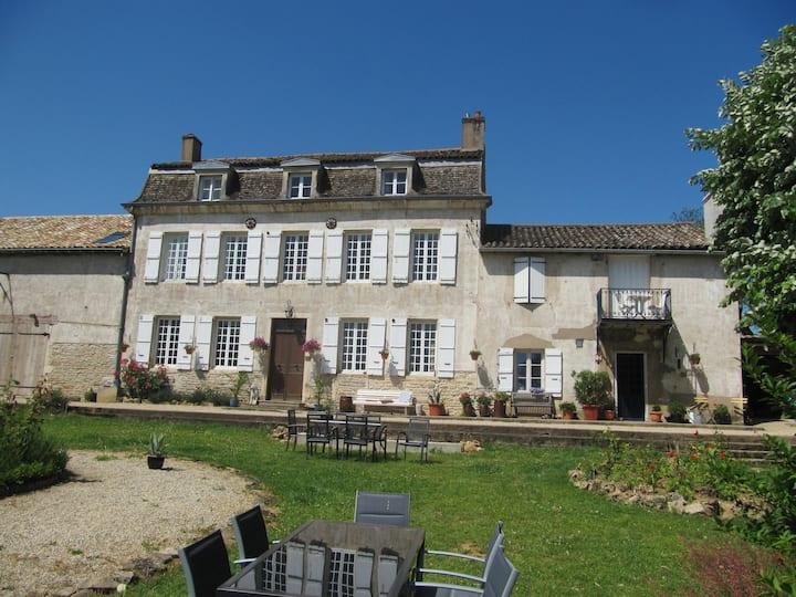 Gite in oud wijnhuis La Montagne