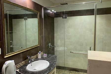 Private and Secure 2 Bedroom Luxury Entire Floor