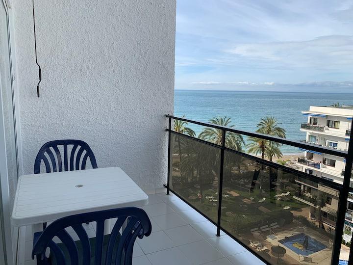 Skol 402 duplex beachfront centre with views WIFI