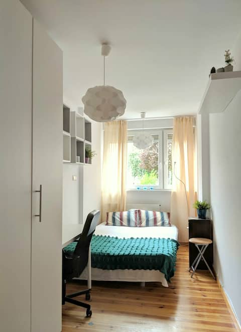 Charming room nearby city center