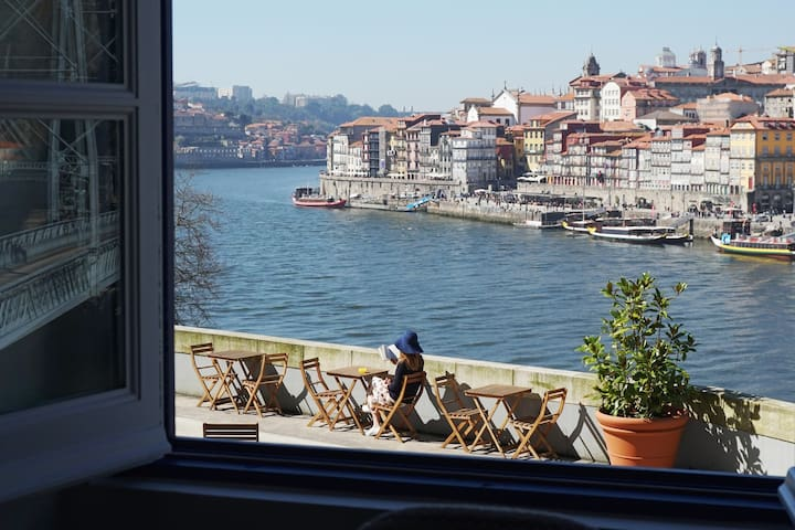 Porto View 1A: One-Bedroom APARTMENT [River View]