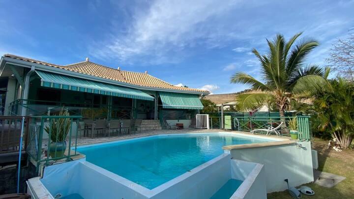 Villa 3 chambres avec piscine - Le Diamant