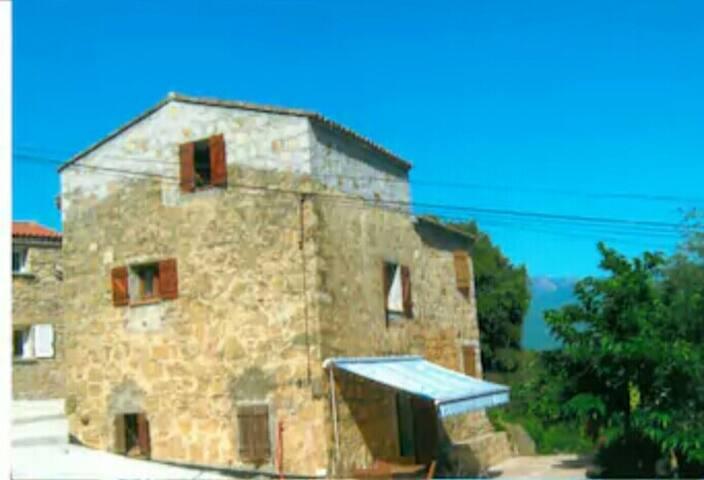 Nº. 2 - Maison de village type F4 70 m2