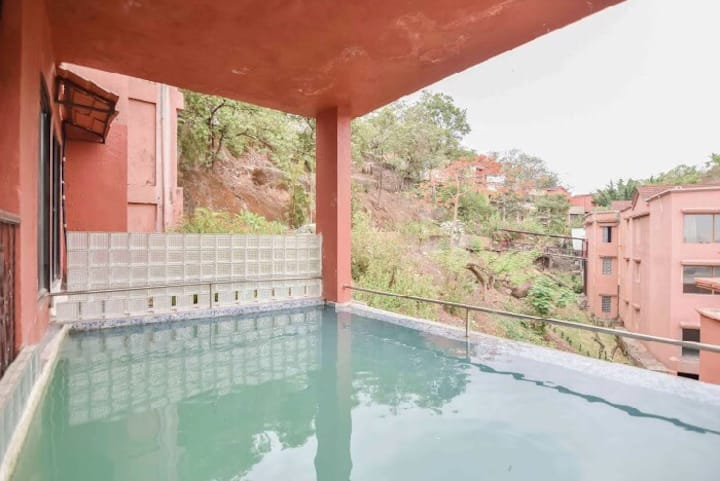 Couple friendly 2bhk wid swimming pool in goregaon