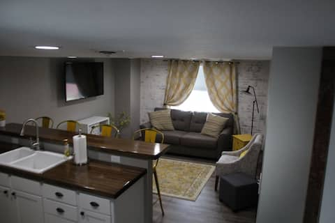 M & R's Nightly Rentals Upstairs Unit
