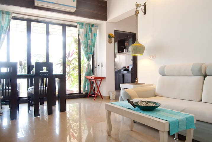 A private room in khar/Bandra west - Bombaim - Apartamento