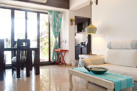A private room in khar/Bandra west - Mumbai - Leilighet