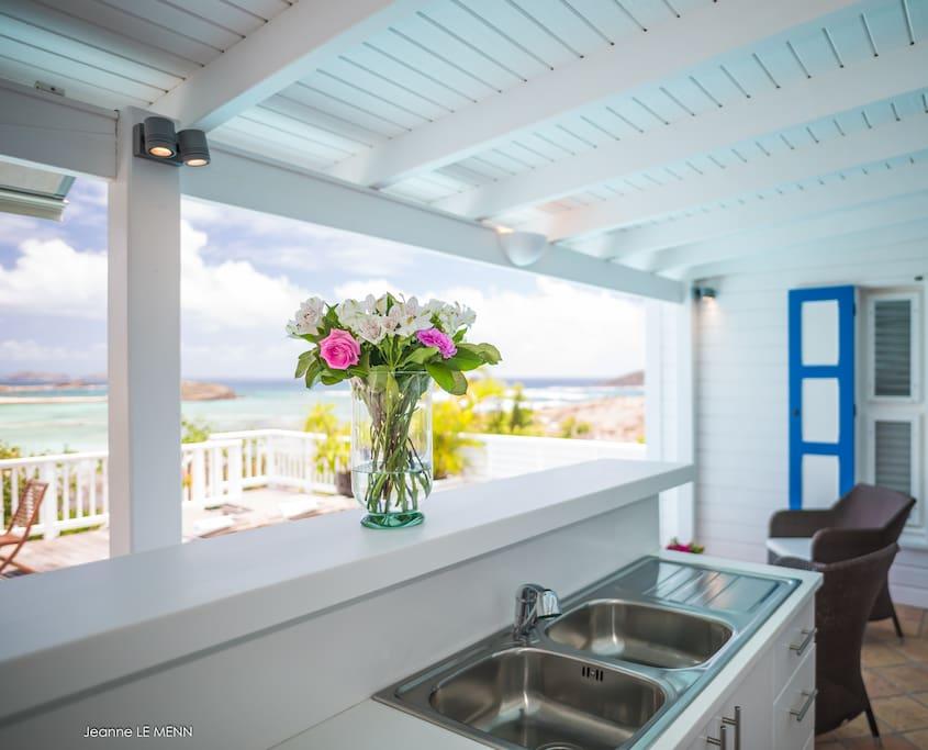 Fully facilitated ocean home