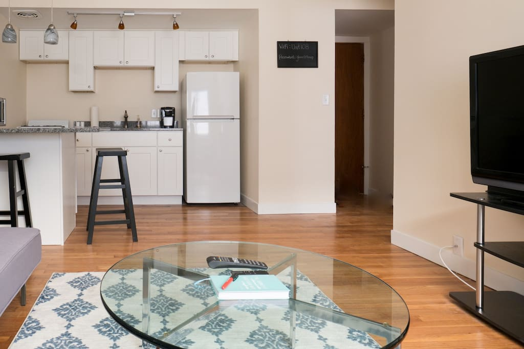 Experience the east side in this modern apartment apartments for rent in milwaukee wisconsin 1 bedroom apartments milwaukee east side