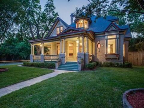 Dallas Victorian Place