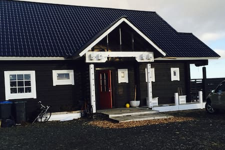 Romantic 180m2 house in the country - Hveragerði