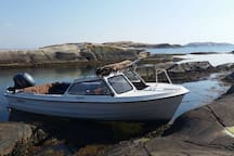 Boat available for rent - 17 Feet - 30 HP Engine. 500 Kr per day.