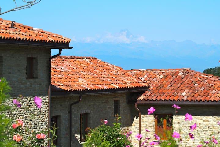 Ruhe finden, Barolo trinken - Rocca Cigliè - Lägenhet