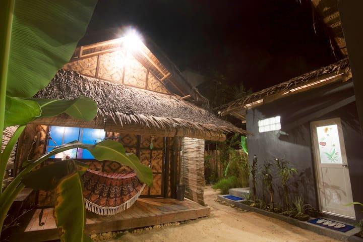 KUBO Siargao Homestay - Kubo Room