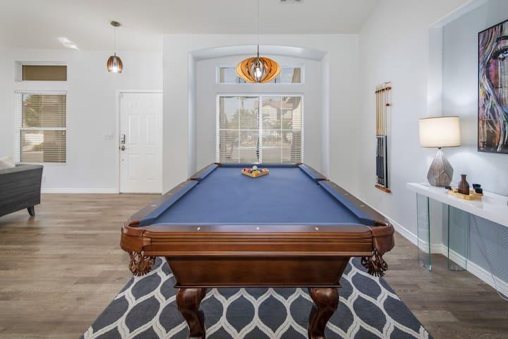 *SANITIZED* Stunning Las Vegas Home W/ Pool & Spa!