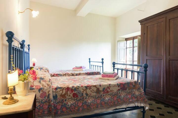 twin bedroom (Mimma's bedroom)