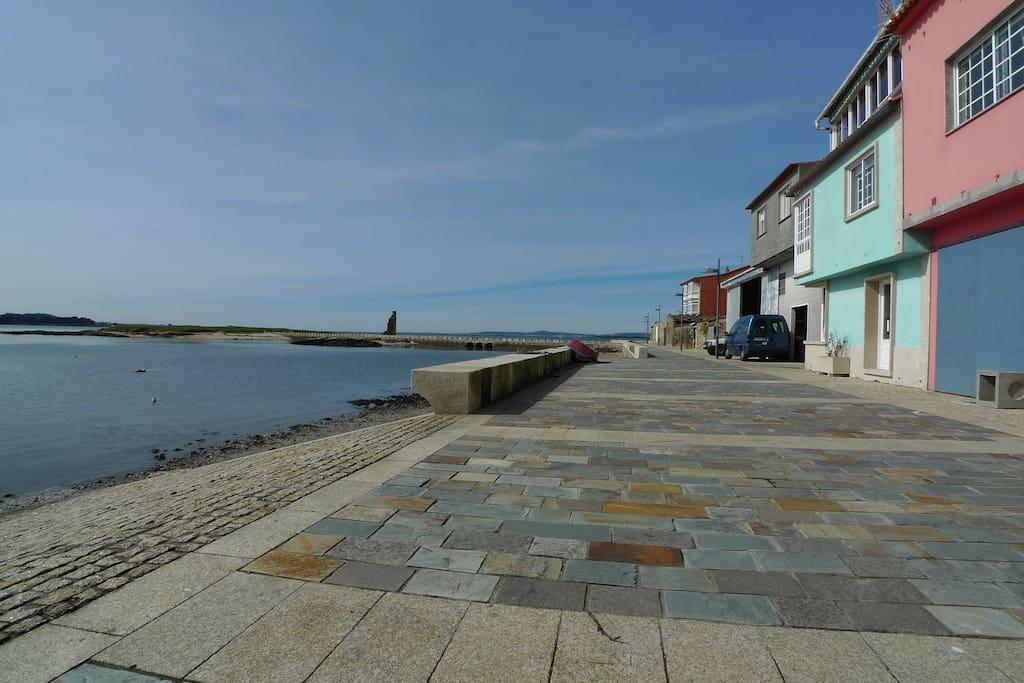 Paseo marítimo enfrente de la casa verde, que es la nuestra