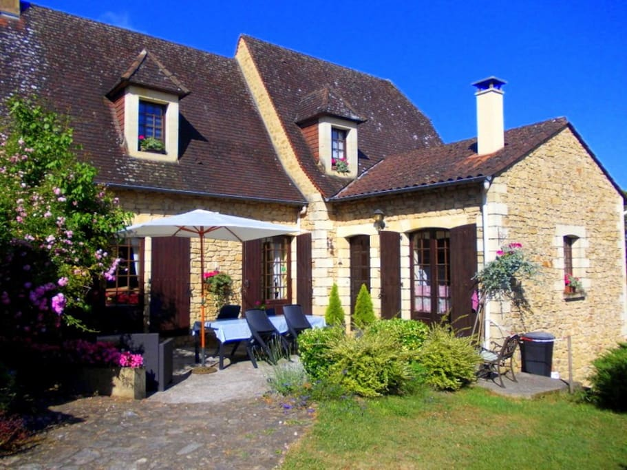 La cachette b b near sarlat domme bed breakfasts for - Chambre d hotes sarlat dordogne ...